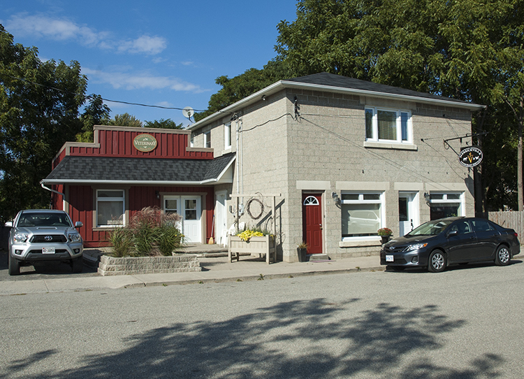 Merrickville Veterinary Office Facade